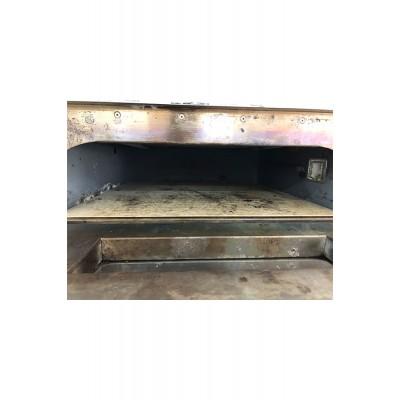 Втора Употреба Професионална Фурна SGS за печене на пици и закуски.